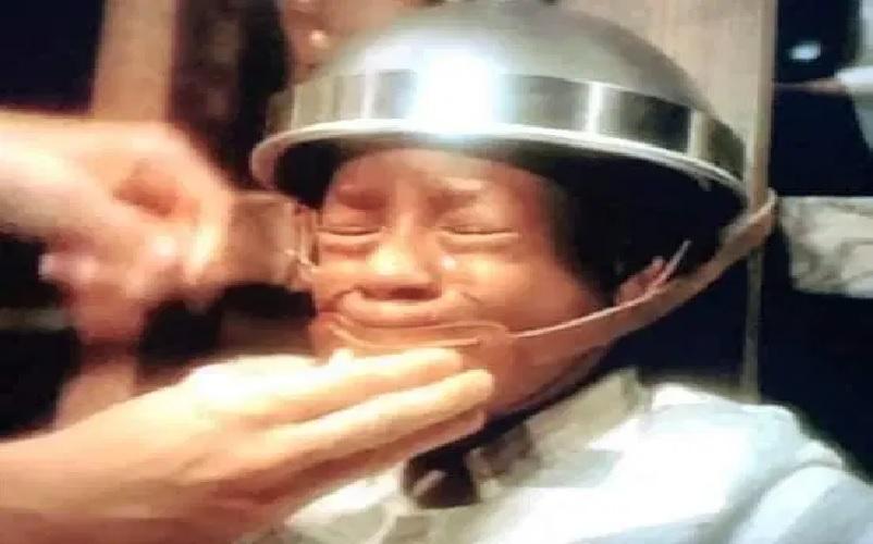 https: img.okezone.com content 2021 05 12 18 2409346 kisah-bocah-kulit-hitam-meregang-nyawa-di-kursi-listrik-70-tahun-kemudian-hukumannya-dibatalkan-f3JvtmOyJZ.jpg