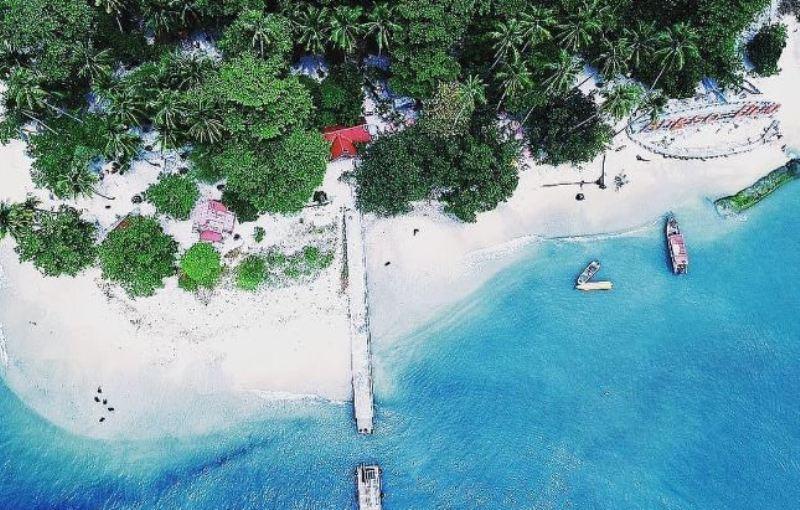 https: img.okezone.com content 2021 05 12 408 2409626 tempat-wisata-lebaran-2021-di-pulau-jawa-kalimantan-hingga-papua-5z3zmuizel.jpg