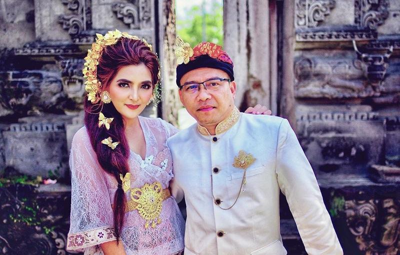https: img.okezone.com content 2021 05 13 33 2409892 11-tahun-menikah-ashanty-ingatkan-anang-untuk-tak-selingkuh-zhaIgIE1Rv.jpg