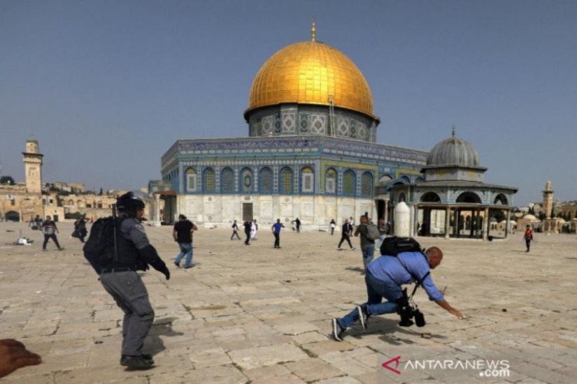 https: img.okezone.com content 2021 05 13 337 2409984 serangan-israel-di-palestina-langgar-hukum-internasional-dewan-keamanan-pbb-harus-bertindak-S5efCNZTjy.jpg