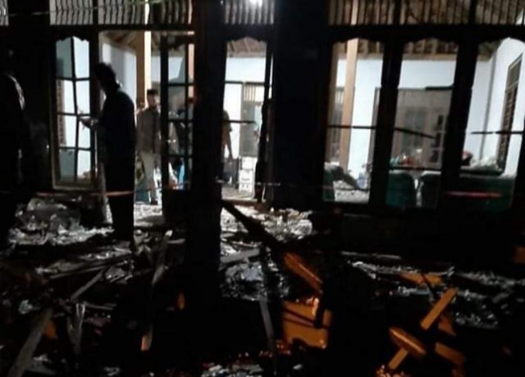 https: img.okezone.com content 2021 05 13 512 2409697 nahas-ledakan-mercon-tewaskan-3-orang-di-kebumen-5-luka-luka-U1uub4LBVu.jpg