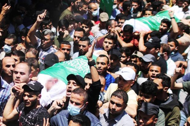 https: img.okezone.com content 2021 05 14 18 2409996 update-83-warga-palestina-di-gaza-tewas-akibat-serangan-udara-israel-7qDy4OAvvQ.jpeg