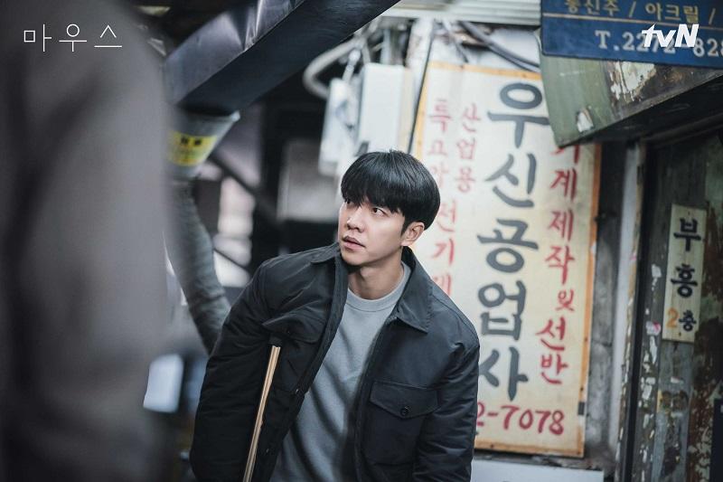 https: img.okezone.com content 2021 05 14 206 2410113 lebaran-seru-bareng-lee-seung-gi-hingga-song-joong-ki-di-rcti-B97evX7ZI1.jpg