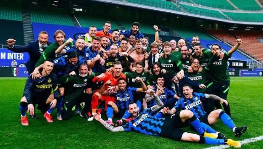 https: img.okezone.com content 2021 05 14 47 2410009 gelar-juara-liga-italia-2020-2021-bikin-inter-lebih-pede-bertamu-ke-markas-juventus-9U10MRX6G2.jpg