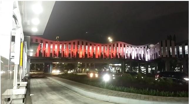 https: img.okezone.com content 2021 05 15 338 2410577 foto-foto-indahnya-lampu-warna-warni-ibu-kota-jakarta-malam-ini-ASphoPmfal.jpg