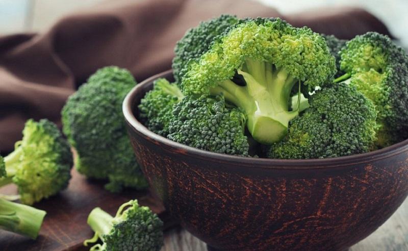 https: img.okezone.com content 2021 05 16 298 2410731 konsumsi-brokoli-dan-kubis-untuk-kurangi-risiko-serangan-jantung-yuk-Sm7mKZYpVL.jpg