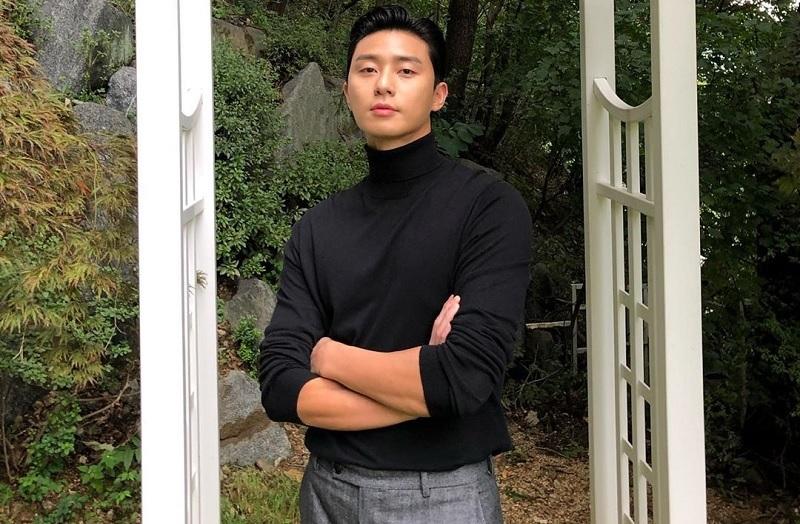 https: img.okezone.com content 2021 05 16 33 2410931 10-tahun-berkarier-park-seo-joon-kenang-perjalanan-dari-dream-high-2-hingga-itaewon-class-YqxoImCCFM.jpg