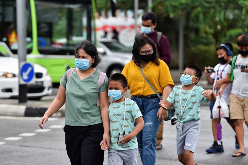 https: img.okezone.com content 2021 05 17 18 2411120 peringatkan-anak-anak-rentan-virus-corona-varian-india-singapura-tutup-sekolah-RX54xIZOqO.jpg