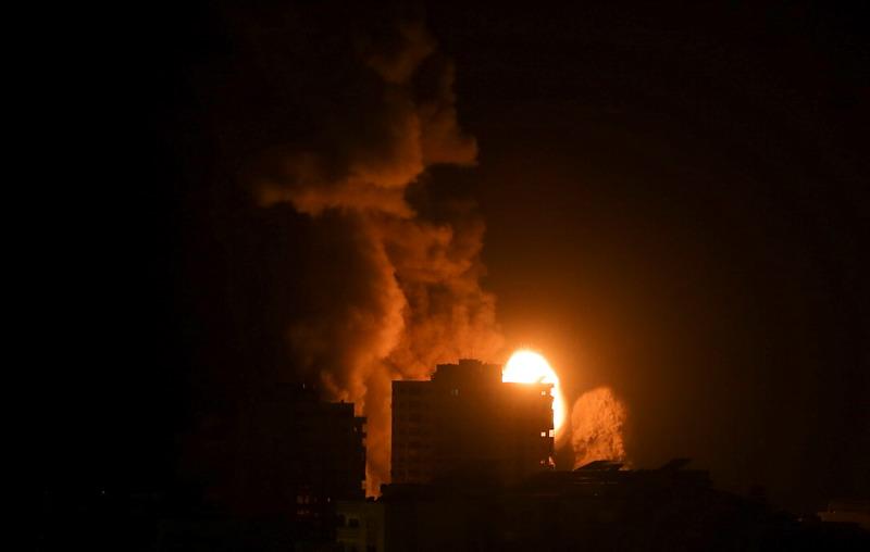 https: img.okezone.com content 2021 05 17 18 2411230 masuki-pekan-kedua-gempuran-israel-ke-gaza-terus-berlanjut-dSnQgOjPlD.jpg