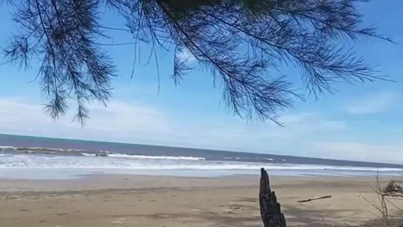 https: img.okezone.com content 2021 05 17 340 2410937 objek-wisata-pantai-tompek-mandailing-natal-ditutup-pasca-4-bocah-tewas-terseret-ombak-jous6UgqMP.jpg