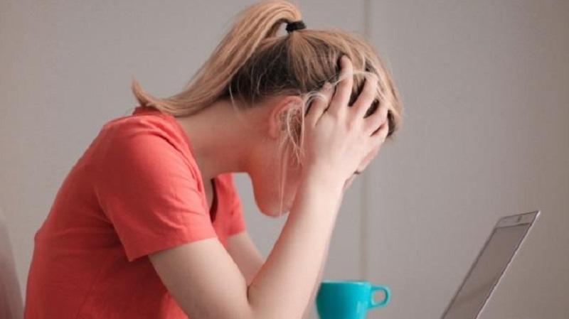 https: img.okezone.com content 2021 05 17 481 2411307 benarkah-stres-bisa-memicu-obesitas-ini-kata-ahli-Ijo8wNJMvh.jpg