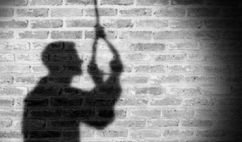 https: img.okezone.com content 2021 05 17 609 2411361 depresi-putus-cinta-pria-ini-nekat-bunuh-diri-di-kamarnya-9jc8XXb4m9.jpg