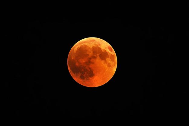 https: img.okezone.com content 2021 05 17 612 2411161 gerhana-bulan-total-berlangsung-26-mei-ini-waktu-terbaik-melihatnya-aX3lvV2Hcl.jpg