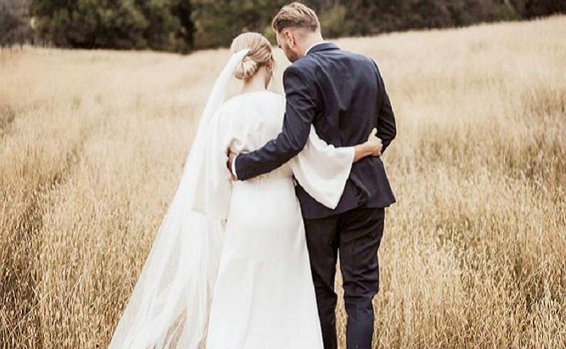 https: img.okezone.com content 2021 05 17 612 2411177 5-cara-menciptakan-pernikahan-bahagia-ndhKlg5zli.jpg