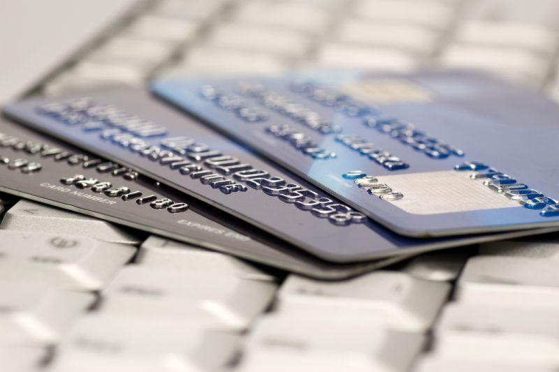 https: img.okezone.com content 2021 05 17 622 2411152 cara-atur-keuangan-usai-lebaran-hindari-penggunaan-kartu-kredit-berlebihan-XAY2Qtr91i.jpg