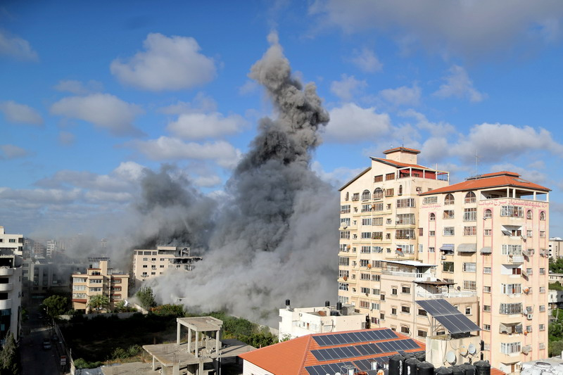 https: img.okezone.com content 2021 05 18 18 2411542 sepekan-serangan-udara-israel-212-warga-palestina-tewas-di-gaza-1PfhNz3YqT.jpg