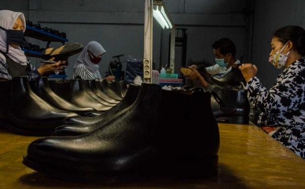 https: img.okezone.com content 2021 05 18 320 2411669 ekonomi-kreatif-segera-jadi-ujung-tombak-perekonomian-indonesia-91lS3Eirry.jpg