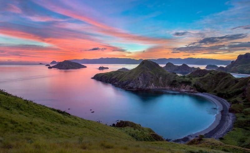 6 Tempat Wisata di NTT yang Keren Abis, Pantai Pink hingga Gurun Pasir :  Okezone Travel