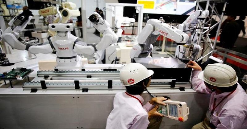 https: img.okezone.com content 2021 05 18 620 2411515 revolusi-industri-4-0-manufaktur-ri-bakal-terdongkrak-dengan-robot-Jj0WaLpTVl.jpg