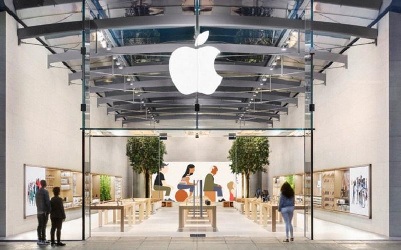 https: img.okezone.com content 2021 05 19 16 2412388 apple-wajibkan-pengunjung-pakai-masker-saat-masuk-toko-D2GM8lm0ZF.jpg
