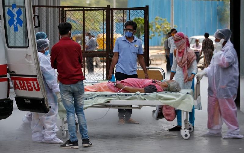 https: img.okezone.com content 2021 05 19 18 2412101 gelombang-kedua-pandemi-covid-19-hantam-perdesaan-di-india-mfHkdBzwwK.jpg