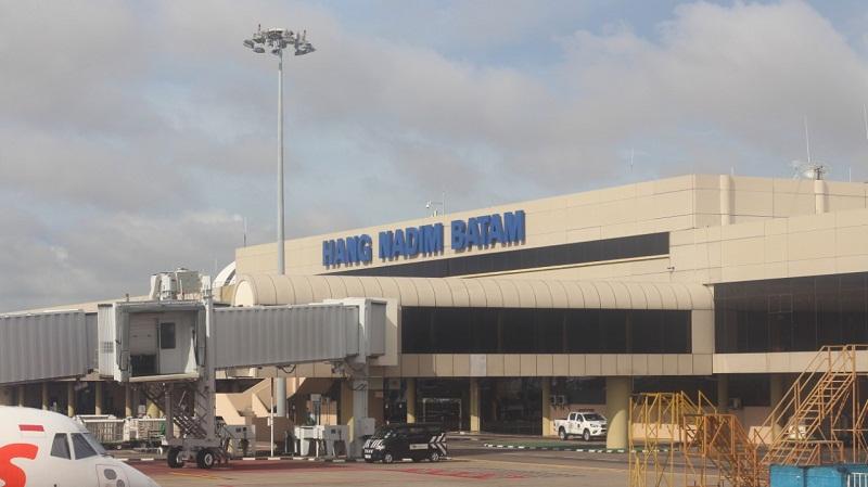 https: img.okezone.com content 2021 05 19 320 2412271 pasca-larangan-mudik-bandara-sesuaikan-jam-operasional-j9DDLt9Dft.jpg