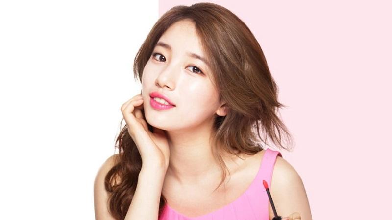 https: img.okezone.com content 2021 05 19 611 2412376 beautypedia-lip-tint-solusi-lipstik-tak-mudah-menempel-saat-pakai-masker-0gjthINjuy.jpg