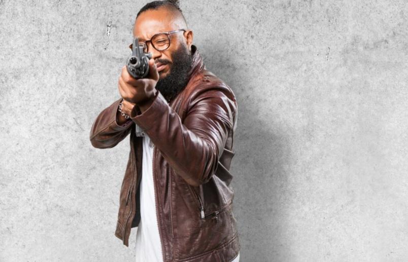 https: img.okezone.com content 2021 05 20 33 2413082 4-film-sniper-terbaik-alternatif-tontonan-seru-di-rumah-sXziKrHvk8.jpg