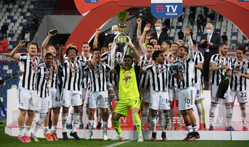https: img.okezone.com content 2021 05 20 47 2412669 juventus-juara-coppa-italia-2020-2021-buffon-dan-pirlo-torehkan-rekor-manis-QuyKy3Up0l.JPG