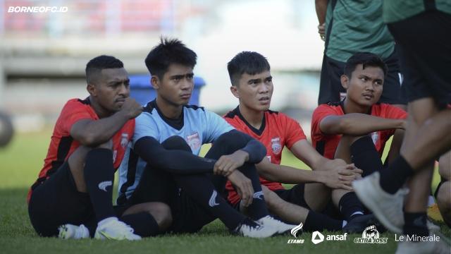 https: img.okezone.com content 2021 05 20 49 2413092 persiapan-liga-1-2021-borneo-fc-uji-tanding-lawan-psg-ycPKrDWm1F.jpg