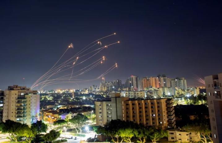https: img.okezone.com content 2021 05 21 18 2413272 israel-palestina-sepakat-gencatan-senjata-NJ4HCecGm5.jpg