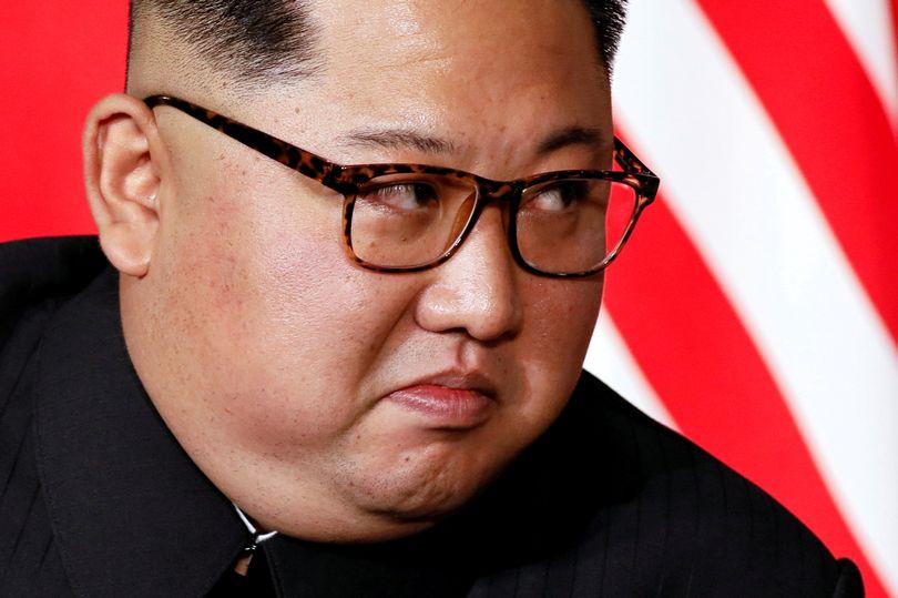 https: img.okezone.com content 2021 05 21 18 2413501 kim-jong-un-panik-pejabatnya-tewas-larang-impor-obat-buatan-china-aWjci8dO9q.jpg