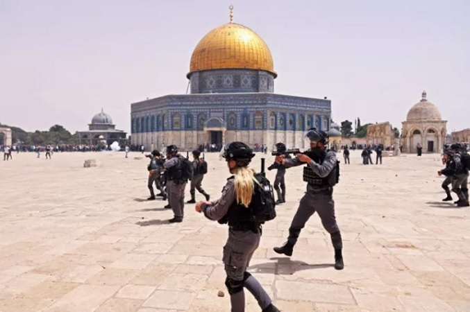 https: img.okezone.com content 2021 05 21 18 2413792 indonesia-usulkan-penempatan-pasukan-perdamaian-internasional-di-yerusalem-pastikan-keselamatan-rakyat-palestina-viBr3FdYA4.jpg