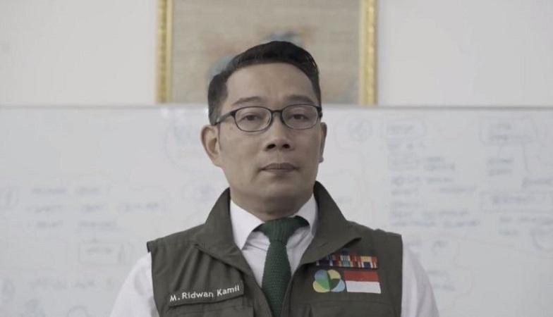 https: img.okezone.com content 2021 05 21 525 2413789 ridwan-kamil-minta-pelajar-indonesia-di-tiongkok-jadi-agen-diplomasi-ZcFdyKHQ96.jpg