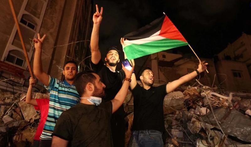 https: img.okezone.com content 2021 05 21 614 2413362 warga-palestina-rayakan-gencatan-senjata-hamas-israel-9xmLgbzLM2.jpg