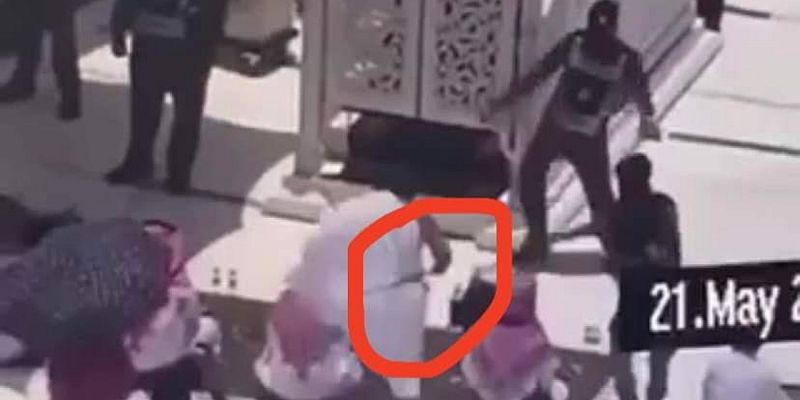 https: img.okezone.com content 2021 05 22 18 2413842 imam-masjidil-haram-diserang-pria-bersenjata-saat-bacakan-khotbah-sholat-jumat-ErYnQ9hyC2.jpg