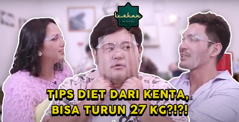 https: img.okezone.com content 2021 05 22 481 2414015 obrolin-tips-diet-kenta-sampai-gaji-influencer-fadlan-holao-di-lesehan-bareng-robby-purba-dan-amy-nawari-4dq43aenD9.jpg