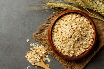 https: img.okezone.com content 2021 05 23 298 2414396 4-manfaat-makan-oatmeal-setiap-pagi-bisa-cegah-sakit-jantung-hingga-kanker-NPK34TJZ59.jpg