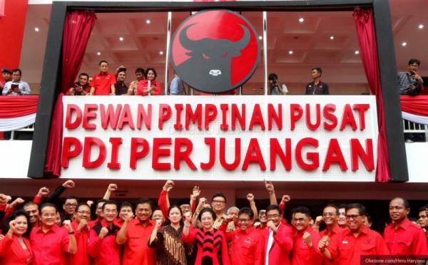 https: img.okezone.com content 2021 05 23 337 2414300 survei-pospoll-indonesia-elektabilitas-pdip-memuncak-dibuntuti-gerindra-8ngPOK7wrG.jpg