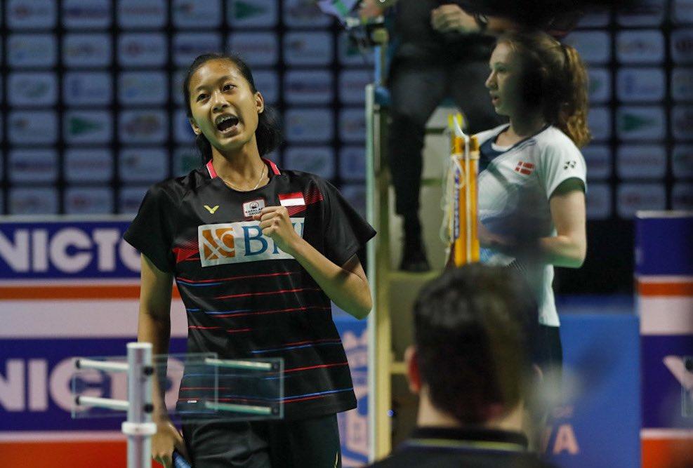 https: img.okezone.com content 2021 05 23 40 2414398 putri-kw-bahagia-bisa-harumkan-nama-indonesia-di-spanyol-masters-2021-JAYVoaQahJ.jpg