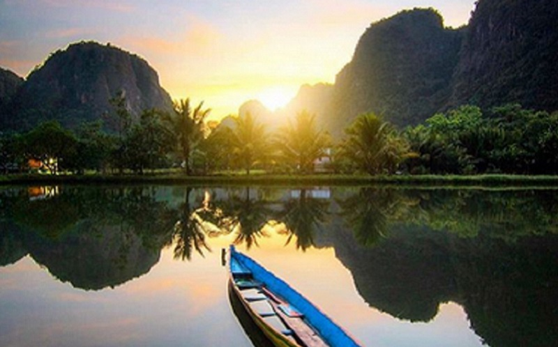 https: img.okezone.com content 2021 05 23 406 2414214 kembangkan-desa-wisata-maros-gandeng-politektik-pariwisata-8yOvMrq2DE.jpg