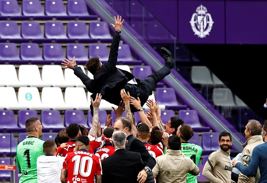 https: img.okezone.com content 2021 05 23 46 2414157 reaksi-diego-simeone-usai-atletico-madrid-juara-liga-spanyol-2020-2021-XlBmVnk9Ml.jpg