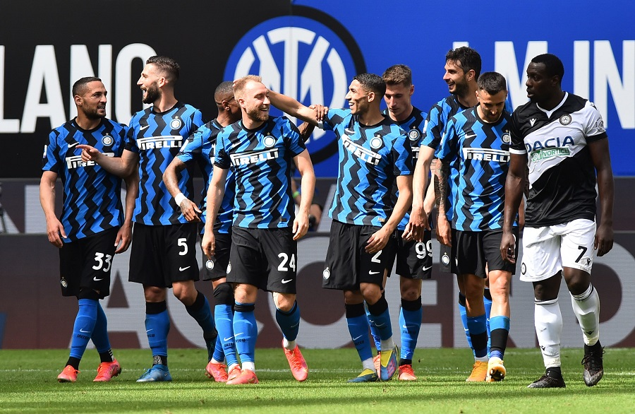 https: img.okezone.com content 2021 05 23 47 2414395 bantai-udinese-inter-milan-akhiri-liga-italia-2020-2021-dengan-sempurna-8r2xCTDmTW.jpg