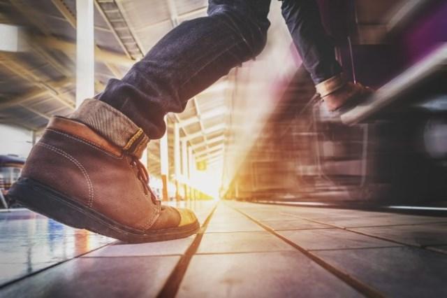 https: img.okezone.com content 2021 05 23 481 2414193 tips-jitu-memperbanyak-jalan-kaki-supaya-tubuh-lebih-sehat-Vf3CZVYKDu.jpg