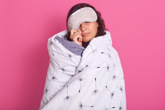 https: img.okezone.com content 2021 05 23 612 2414115 7-manfaat-gunakan-sleep-mask-saat-tidur-XShlcpULQn.jpg