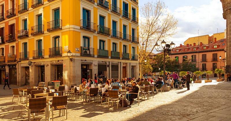https: img.okezone.com content 2021 05 24 406 2414600 spanyol-siap-sambut-wisatawan-dari-seluruh-dunia-mulai-7-juni-Cv5L9F2nJD.jpg