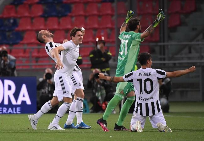 https: img.okezone.com content 2021 05 24 47 2414468 klasemen-akhir-liga-italia-2020-2021-ac-milan-dan-juventus-lolos-ke-liga-champions-napoli-terlempar-s3UFCM1mDw.jpg