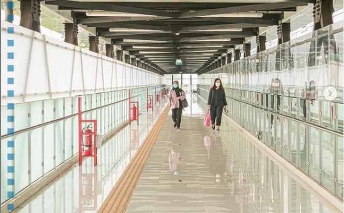 https: img.okezone.com content 2021 05 25 338 2415096 anies-pamer-jembatan-layang-stasiun-mrt-asean-warganet-transformasi-dki-menuju-kota-berkelas-dunia-DvvDMEE3E2.png