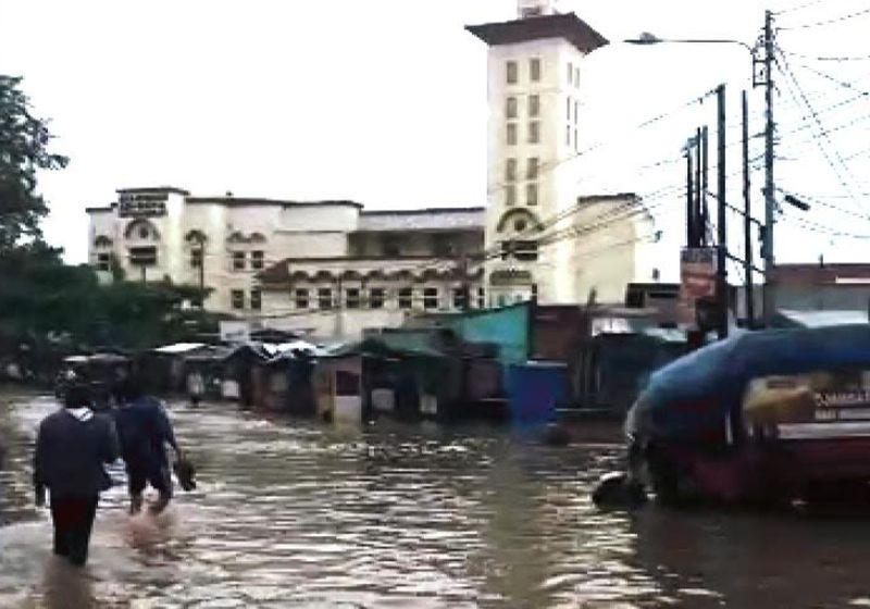 https: img.okezone.com content 2021 05 25 525 2415246 ribuan-warga-terdampak-banjir-di-kabupaten-bandung-JjVybifFd8.jpg