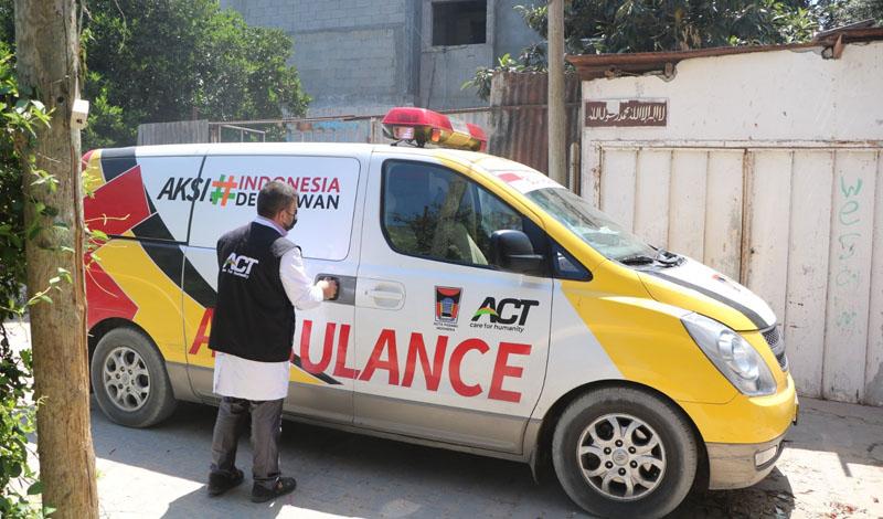https: img.okezone.com content 2021 05 25 614 2415093 ambulans-berlogo-pemkot-padang-hilir-mudik-di-gaza-palestina-sejak-november-2020-4DGieMaV5y.jpg